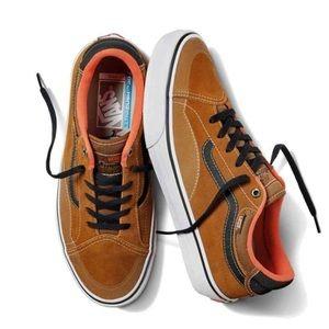 Vans TNT Advanced Prototype Anti Hero Skate Shoes